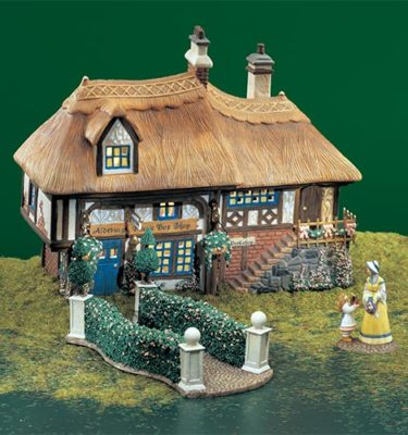 Village Idiotz - Department 56 - Dickens' Village Series - Aldeburgh Music Box Shop - 56-58442